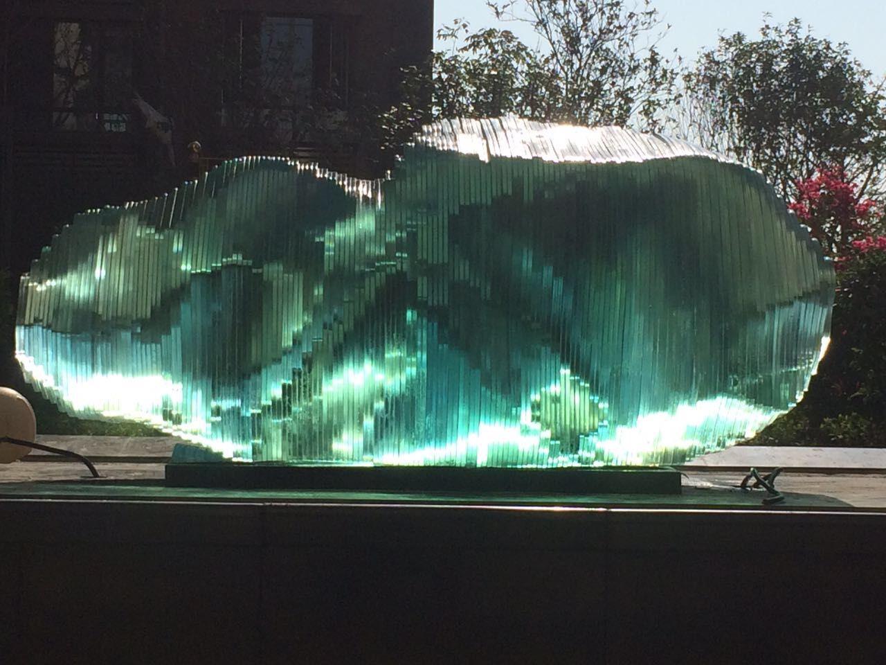 叠层玻璃水景