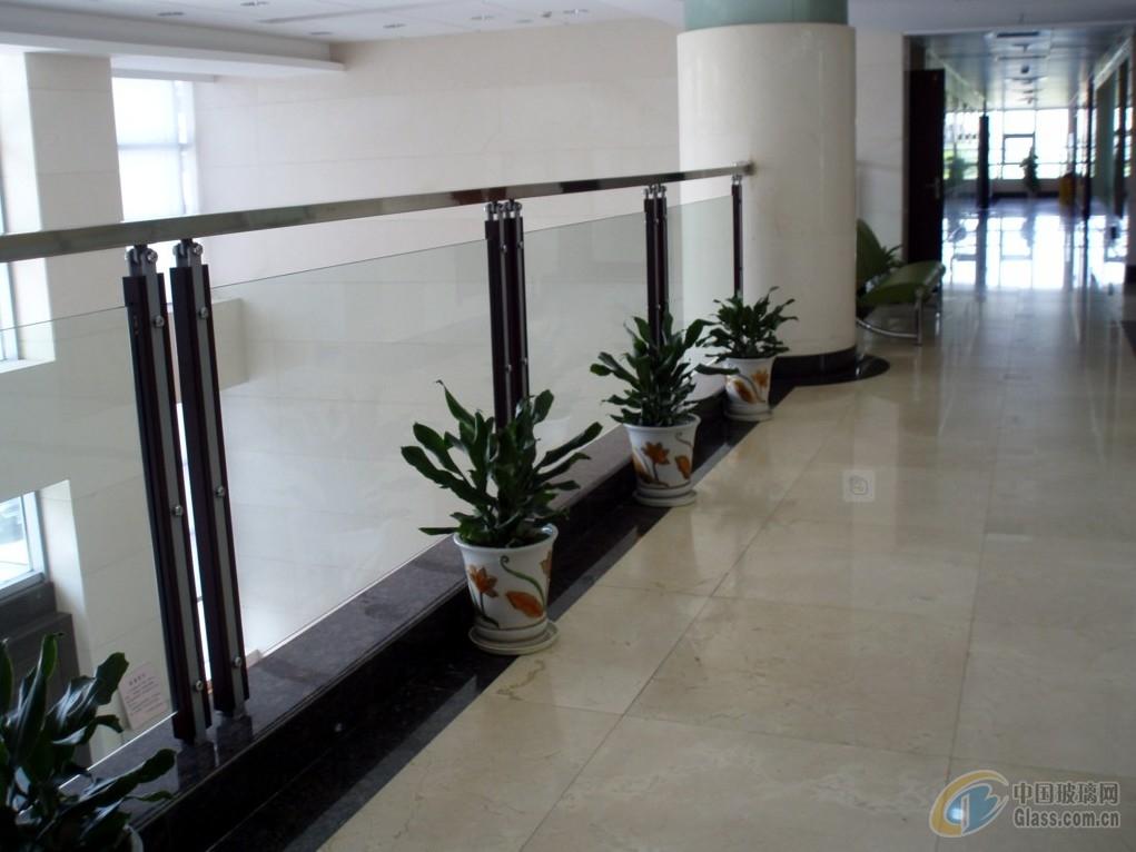 不锈钢玻璃围栏11