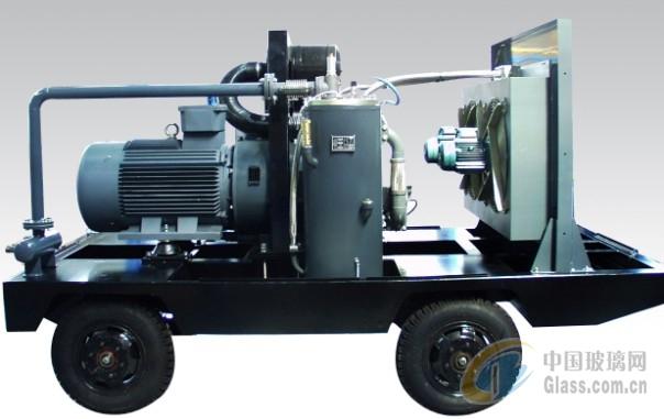 图片简介: 柳州富达阿特拉斯系列螺杆式空气压缩机是集团总部在久经考验的欧洲原版机型基础上,针对亚洲市场在冷却系统、防尘系统、操作系统及机组的可靠性等方面进行了增强设计 ,它除了保持固有的技术先进、质量稳定、性能卓越、运行可靠、操作维护简便、节能、静音等特点外、更适应亚洲特别是中国各种复杂的工况条件,更能满足客户的需求。