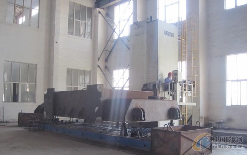 y13系列三梁四柱液压机及压机图片