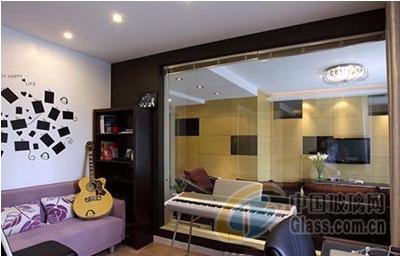 独具匠心现代美家 用玻璃隔断做墙高清图片