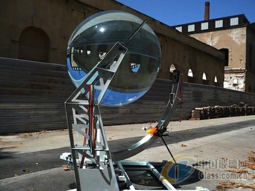 环保艺术:玻璃球与太阳能