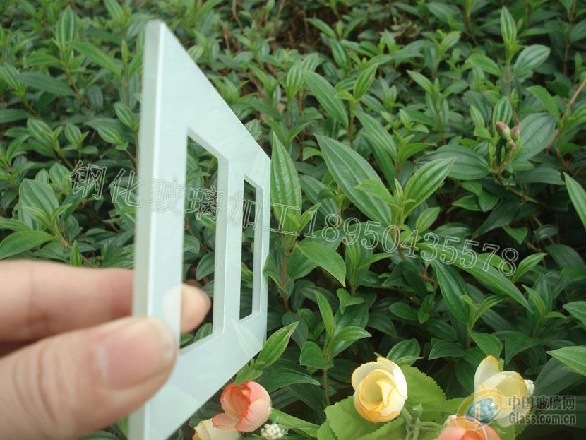供应白底优质水晶插座钢化玻璃