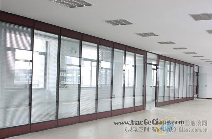 隔断效果图 效果图推荐 小户型装修效果   水晶玻璃装潢柱 隔