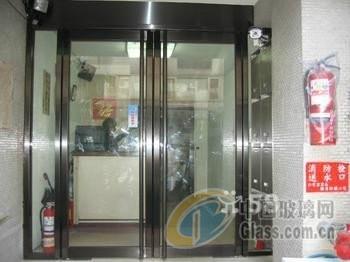 并提供玻璃门维修服务,维修玻璃门,更换玻璃门配件,更换玻璃门夹子