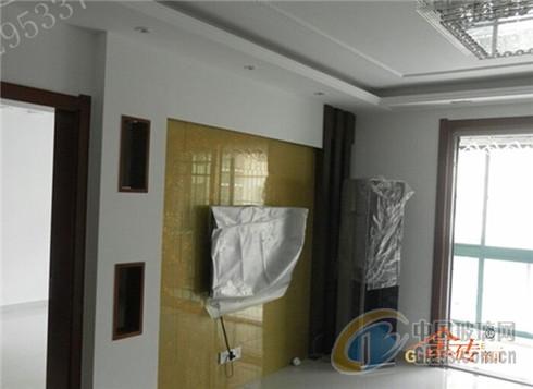 艺术玻璃装修中电视机背景墙设计的三忌三宜