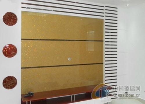 藝術玻璃裝修家居客廳電視機背景墻設計要點