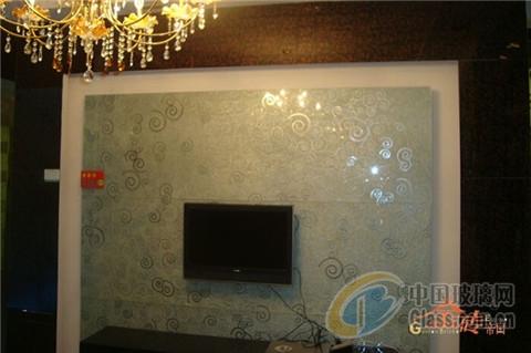 艺术玻璃装修时尚简约客厅电视背景墙-玻璃资讯-中国