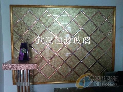 艺术玻璃拼镜背景墙边框的安装方法