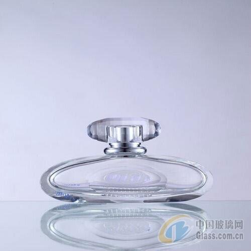 香水玻璃瓶以及香水瓶盖等丝印logo,香水玻璃瓶logo雕刻,贴花等.