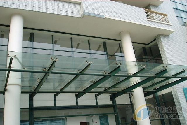 供应石家庄钢结构玻璃雨棚