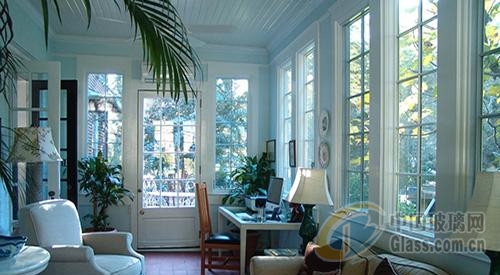 美式阳光房玻璃门设计 将自然的魅力搬进来