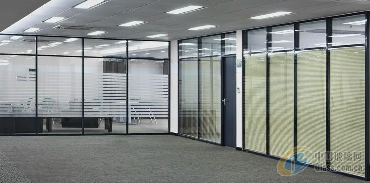 (二)玻璃砖墙 (1)墙,隔断镶嵌玻璃砖的骨架