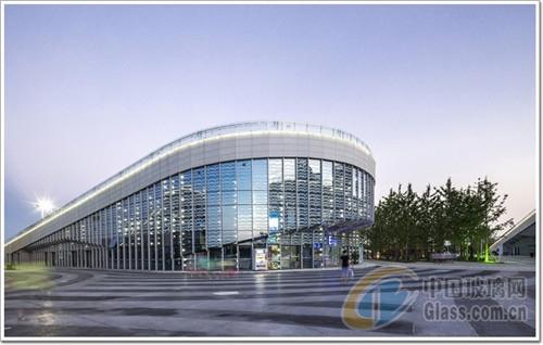扬州李宁体育玻璃,铝合金工种和幕墙彩釉创建高尔夫球v体育公园职业图片