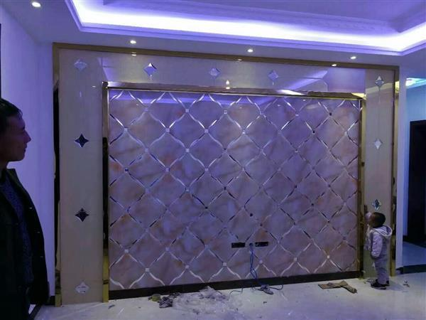 艺术拼镜客厅餐厅电视沙发背景墙超白烤漆金茶镜条