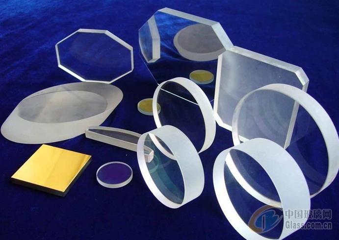 石英玻璃是二氧化硅单一成分的非晶态材料,其微观结构是一种