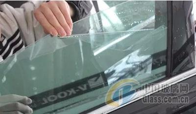 挡风玻璃养护方法 汽车前挡风玻璃如何清洁
