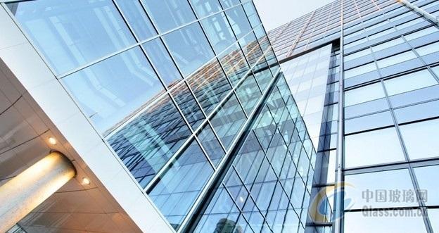 城市玻璃幕墙的作用 隐框玻璃幕墙的结构包括哪些部分