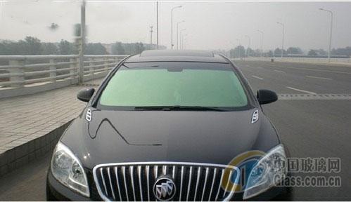 玻璃贴膜通常是用在汽车和建筑上面.