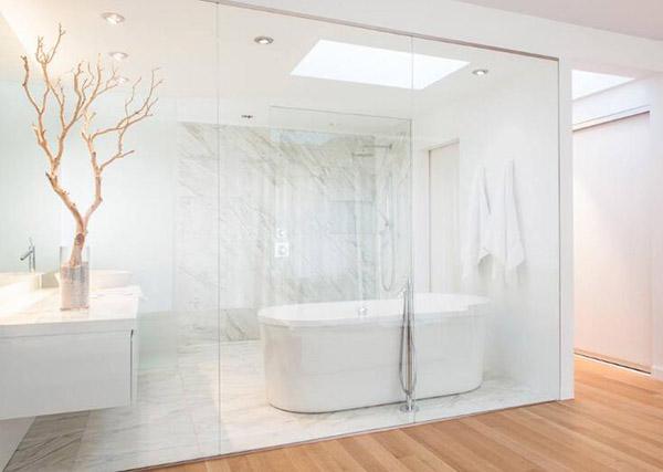 玻璃隔断用哪种材料更好 卫生间玻璃隔断什么材质图片