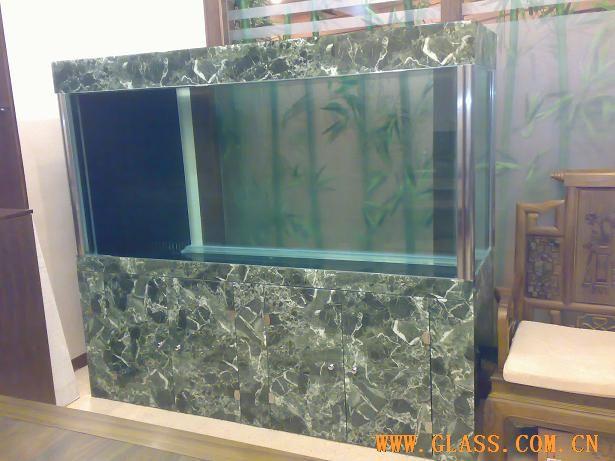 > 玻璃鱼缸