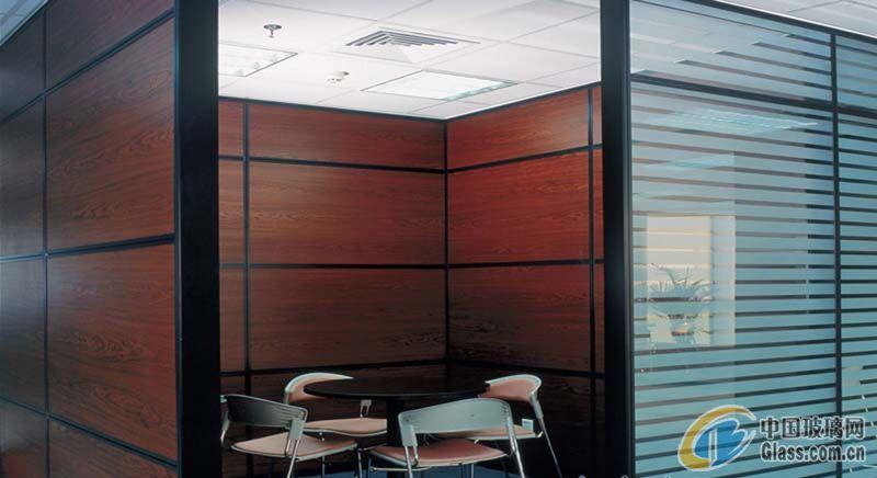 建筑玻璃 > 供应双层饰面隔断  发布时间: 2011年06月15日 有效期至