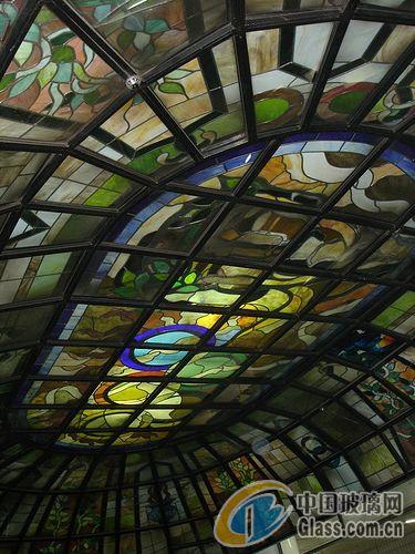 > 供应欧式彩绘穹顶,教堂玻璃,彩色玻璃吊顶,彩色天花玻璃