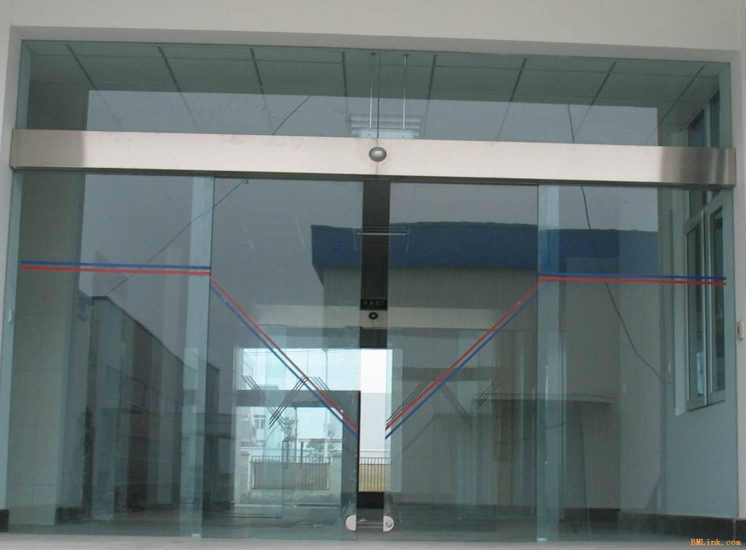 商场玻璃感应门  订货量 价格(不含税) 不限 电议 供应标题:商场玻璃