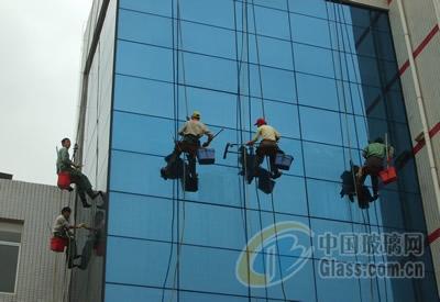 深圳良辰幕墙钢结构玻璃安装