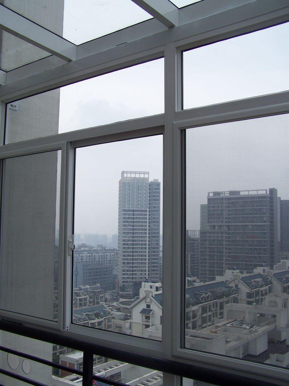 落地玻璃封阳台效果图