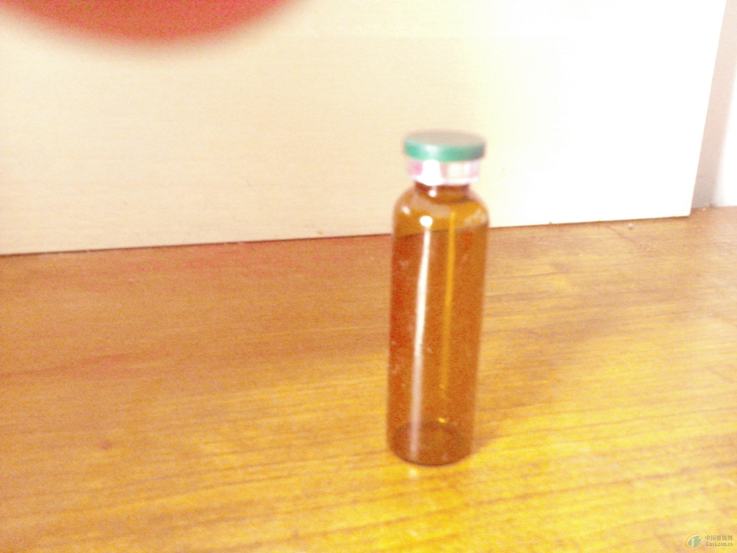口服液瓶与瓶盖图片