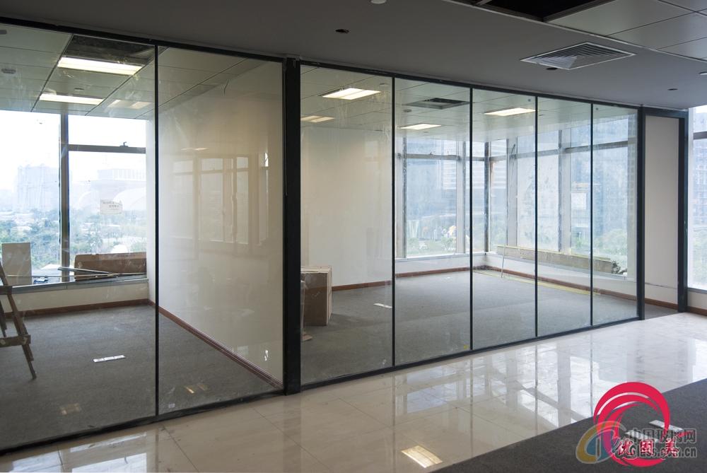 深圳钢化玻璃办公室玻璃隔断