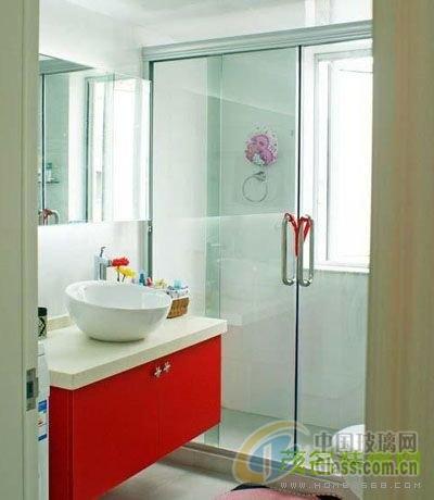 衛生間磨砂玻璃隔斷效果圖