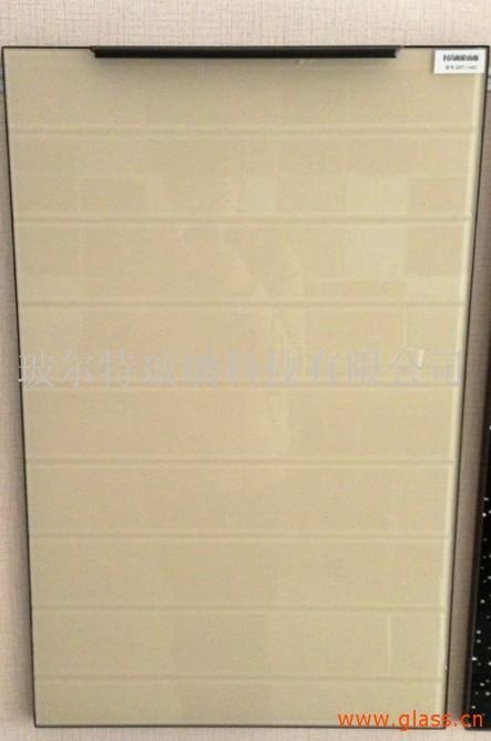 玻璃门板橱柜白