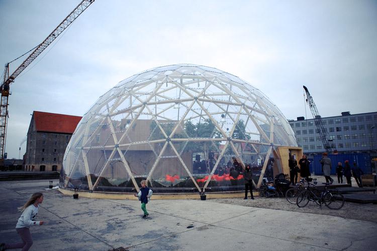 钢化玻璃钢结构不锈钢材料树屋