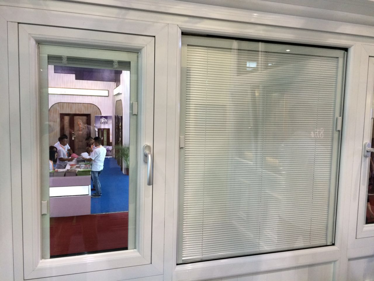 中空百叶玻璃窗价格是多少中空百叶玻璃窗怎么安装