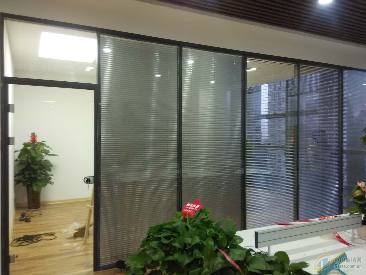 西安办公室玻璃百叶隔断,高间隔
