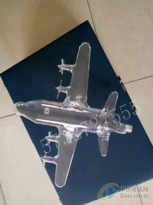 航空母舰造型玻璃酒瓶飞机玻璃瓶吹制工艺酒瓶