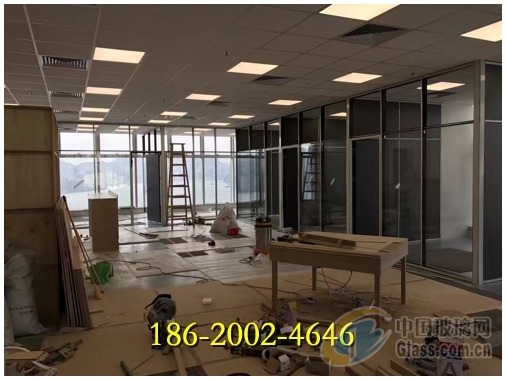 东莞办公室玻璃加百叶帘隔墙什么价格