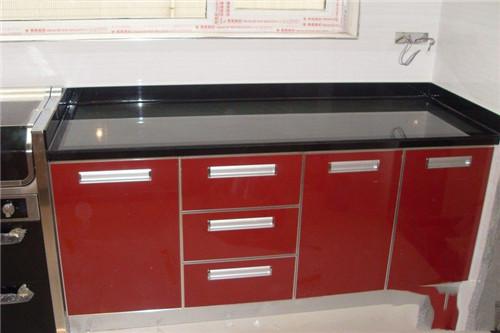 钢化玻璃橱柜有哪些优点,你知道多少?