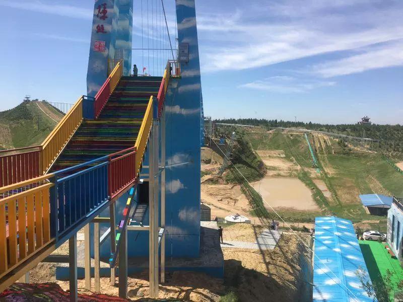 鄂爾多斯網紅玻璃天橋對外開放