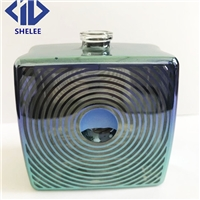 新款雕刻花纹玻璃香水瓶