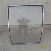安装三轮车挡风玻璃