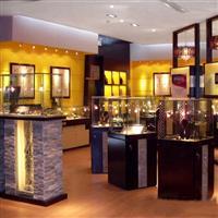 提供优质玻璃展柜,展柜玻璃,装饰玻璃,家私玻璃,建筑玻璃厂