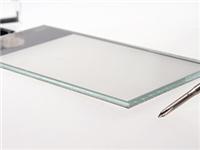 偏光片国产化加速明显 将复制玻璃基板行情