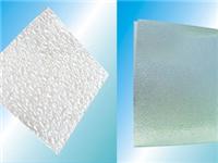 超白压延光伏玻璃常见的成形缺陷及解决方案