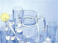玻璃器皿诞生记:人工完成数十道工艺