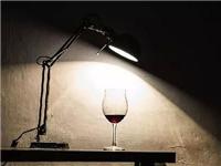 红酒杯如何区别是水晶还是玻璃  怎么分辨是玻璃还是水晶杯