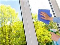 厨房的玻璃要怎么擦  厨房橱柜门用什么玻璃