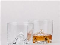 怎样辨别玻璃杯是否耐高温  玻璃杯能耐高温多少度